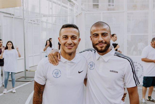 Fútbol.- Thiago y Rafinha Alcántara ponen su Fundación junto al Hospital Clínic