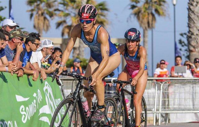 Competición de triatlón en Roquetas de Mar.