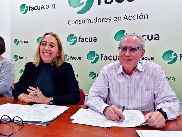Olga Ruiz y Paco Sánchez Legrán, en la Junta Directiva de Facua celebrada el pasado 15 de febrero.