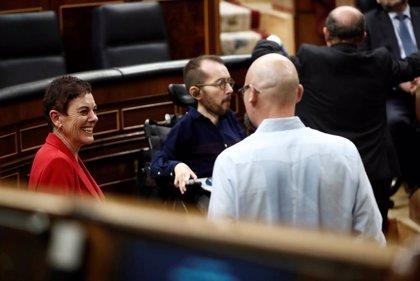 Bildu y la CUP piden cerrar servicios no esenciales y critican el tono bélico del Gobierno contra el coronavirus
