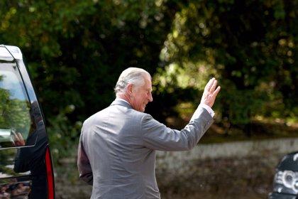 Así está viviendo el Príncipe Carlos su positivo en coronavirus