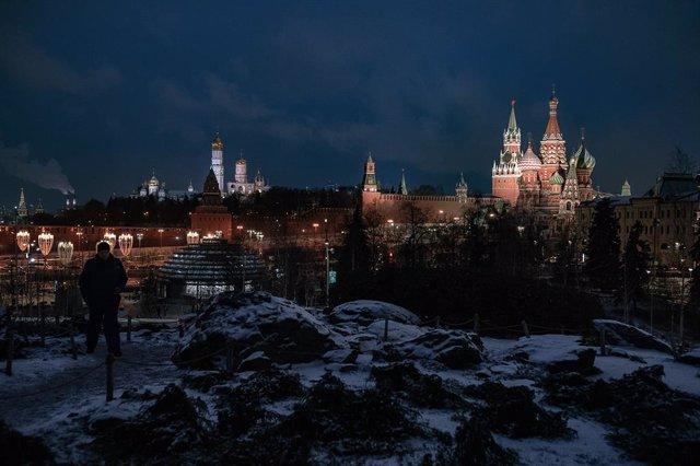 Coronavirus.- Moscú cierra desde el sábado bares, tiendas y parques por la pande