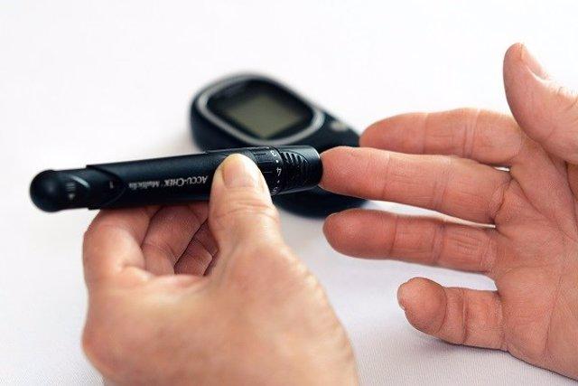 Mantener los niveles del receptor de vitamina D en células productoras de insuli