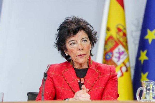 La ministra de Educación y Formación Profesional, Isabel Celaá, en enero durante una comparecencia en Moncloa.