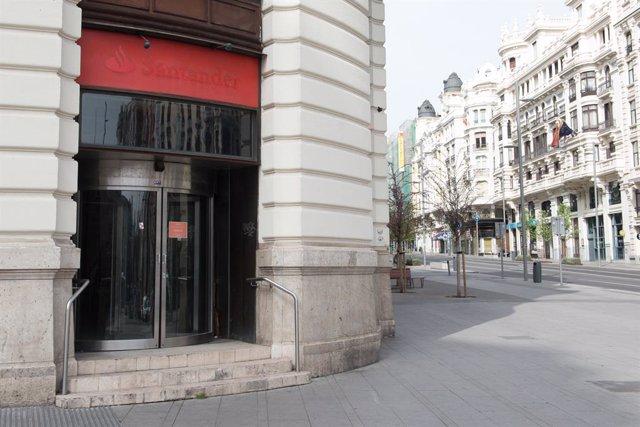 Una oficina del Banc Santander