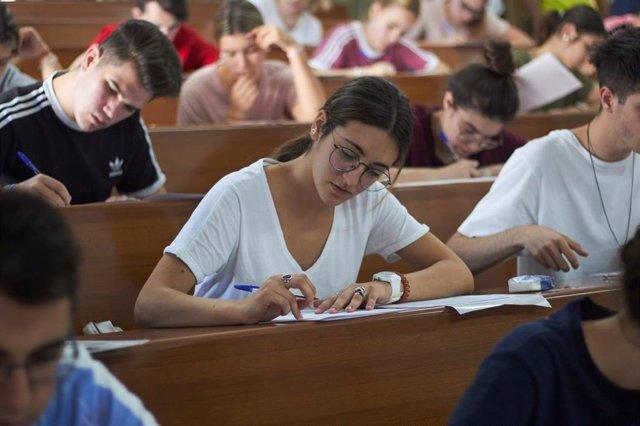 Pruebas de Selectividad en 2019 en la Universidad de Granada.