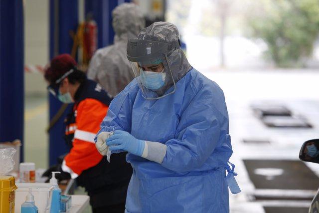 Realizan tests para el coronavirus a sanitarios y cuerpos de seguridad en la ITV de Albolote-Peligros, Granada a 26 de marzo del 2020