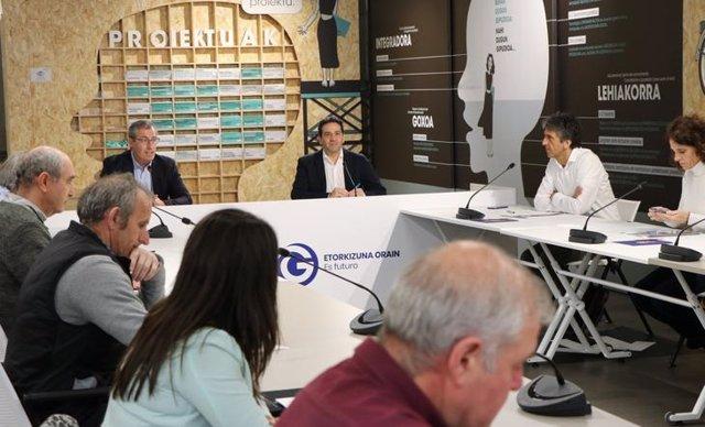 Reunión  de Diputación de Gipuzkoa y Gobierno Vasco con representantes del primer sector