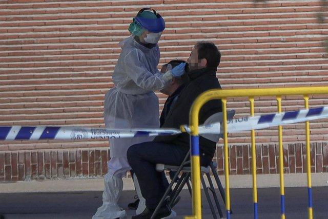 VÍDEO: Coronavirus.- Sanidad devuelve 9.000 test rápidos a China por no cumplir los estándares de calidad