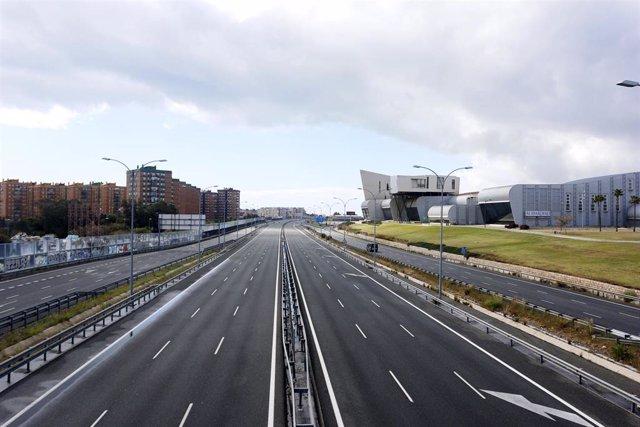 La Autovía del Mediterraneo o A-7, en Málaga, sin tráfico por el Estado de Alarma decretado por la pandemia del nuevo coronavirus
