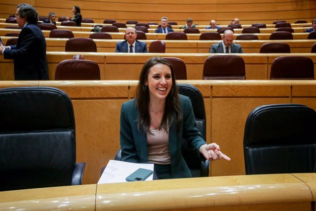 La ministra d'Igualtat, Irene Montero, en la sessió de control al Govern central al Senat, Madrid (Espanya) 3 de març del 2020.