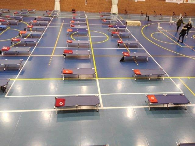 La instalación deportiva municipal 'Paquillo Fernández' preparada para atender a personas sin hogar