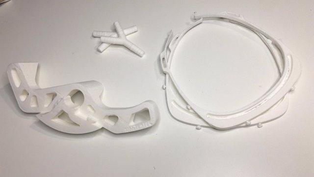 Elements necessaris per a la fabricació de material de protecció per a sanitaris