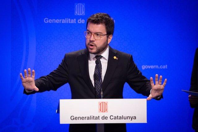 El vicepresidente del Govern, Pere Aragonès, interviene en la rueda de prensa convocada ante los medios para informar sobre el coronavirus, en Barcelona / Catalunya (España), a 12 de marzo de 2020.