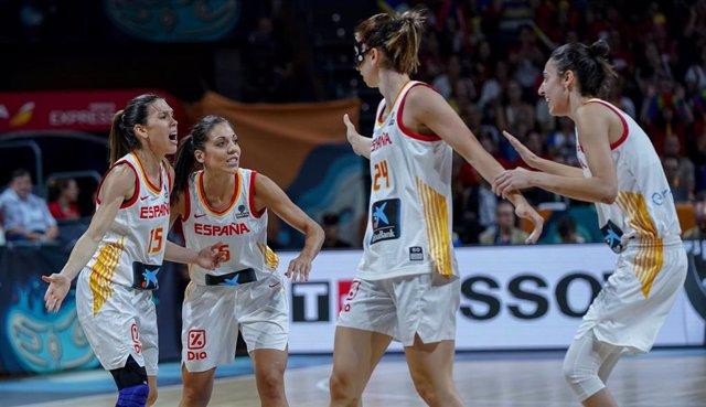 España celebra una canasta en el Mundial de Tenerife