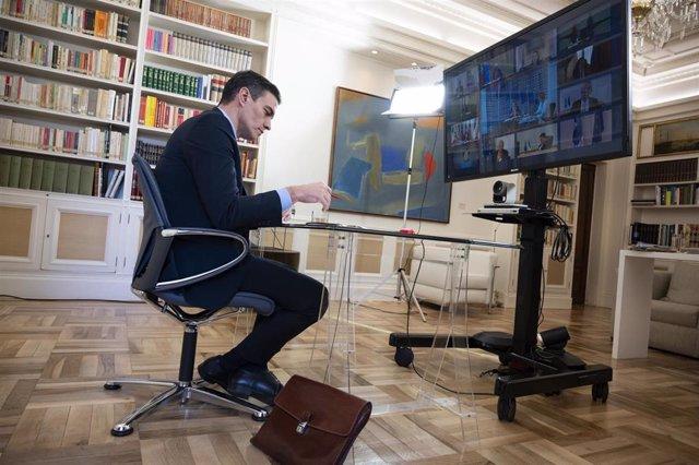 Pedro Sánchez participa en el Consejo Europeo por videoconferencia el 26 de marzo