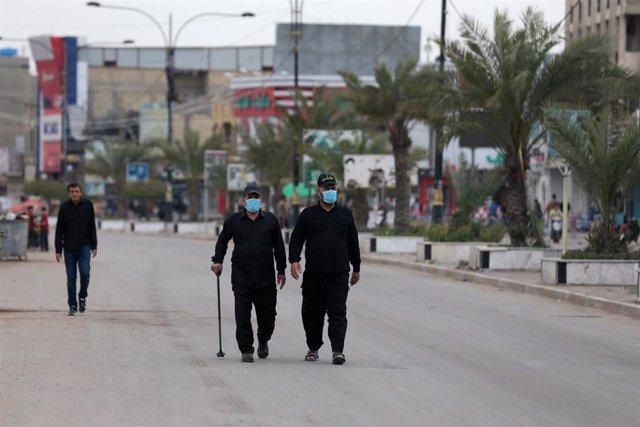 Una calle de la capital de Irak, Bagdad, durante el cierre ordenado por el Gobierno a causa de la pandemia de coronavirus