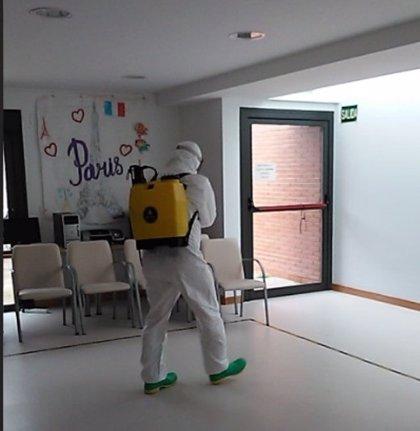 El Regimiento de Pontoneros realiza una desinfección preventiva frente al COVID-19 en la Fundación ASPACE de Zaragoza