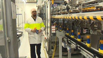 La fábrica de Nivea en Tres Cantos (Madrid) produce y dona 5.000 botellas diarias de soluciones hidroalcohólicas