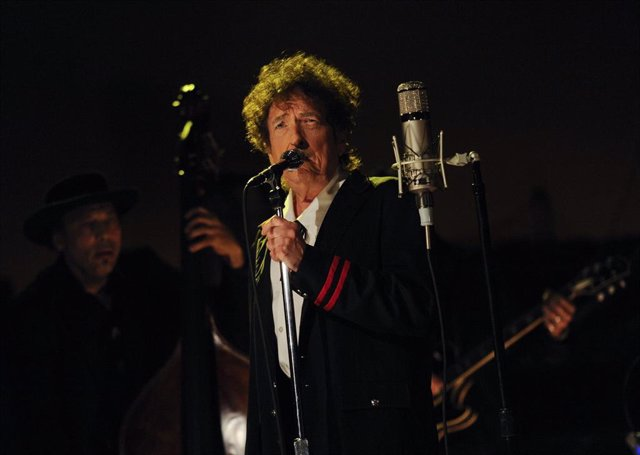 Bob Dylan performs on the Late Show with David Letterman, Tuesday May 19, 2015 on the CBS Television Network.     Jeffrey R. Staab/CBS /Landov