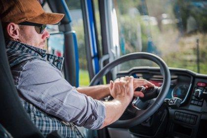 El Gobierno vuelve a flexibilizar los tiempos de conducción y descanso de los camioneros