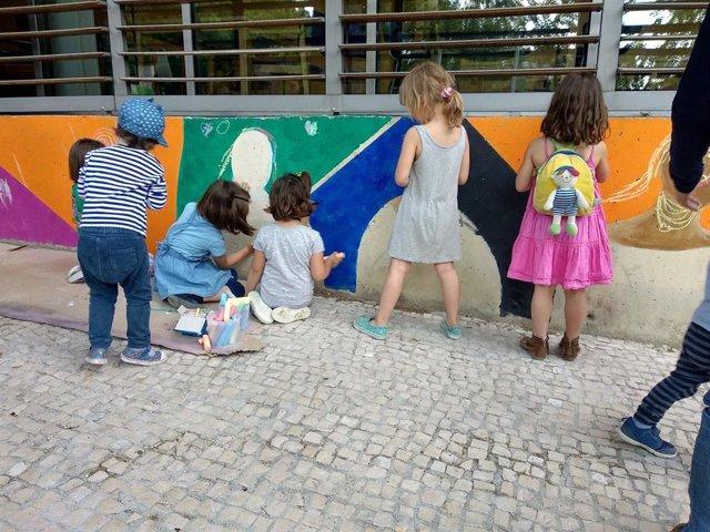 Niños participando en el festival de C.A.L.L.E en Lavapiés
