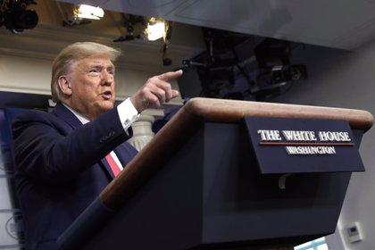 Trump critica a General Motors y le ordena fabricar ventiladores en sus plantas por el coronavirus