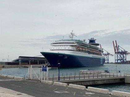 Un crucero con 657 tripulantes permanece atracado en el puerto de Málaga con un permiso especial por el estado de alarma