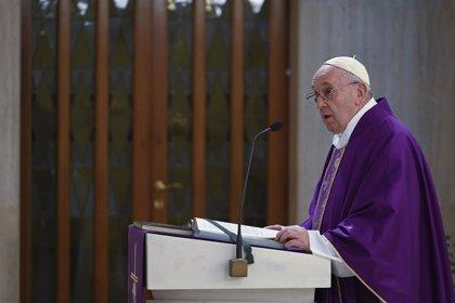 """El Papa imparte un bendición 'Urbi et Orbi' extraordinaria ante el coronavirus: """"Estamos todos en la misma barca"""""""