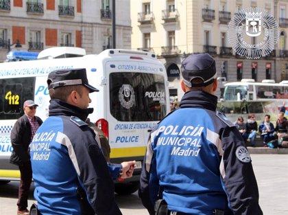 La Policía Municipal detuvo ayer a una persona e impuso 495 multas por incumplir el estado de alarma