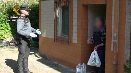 Un vecino de Berodia (Cabrales) de 80 años se ahorra kilómetros de caminata gracias a la Guardia Civil