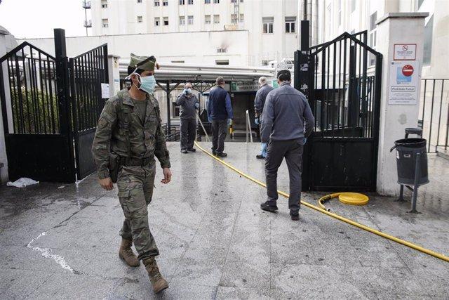 Los Legionarios acuden a Granada para prestar servicio de informacion por la cuarentena del Coronavirus