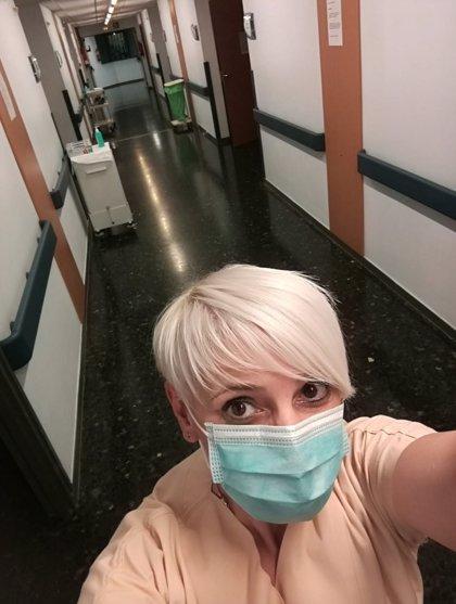 """Ángeles Grobas, auxiliar de enfermería ingresada por covid-19 y dada de alta: """"Tardaron cinco días en hacerme el test"""""""