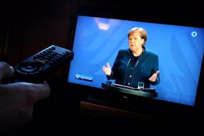 Merkel pide paciencia a los alemanes tras avisar que no aliviará la cuarentena