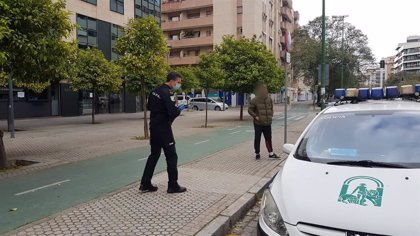 La Policía Adscrita suma nueve detenidos y más de 500 propuestas de sanción por incumplir el confinamiento en Andalucía