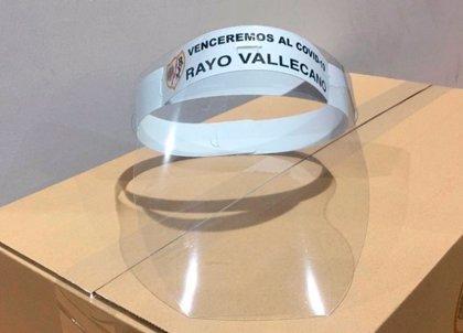 El Rayo Vallecano fabrica 12.000 máscaras protectoras y su afición recauda 33.000 euros