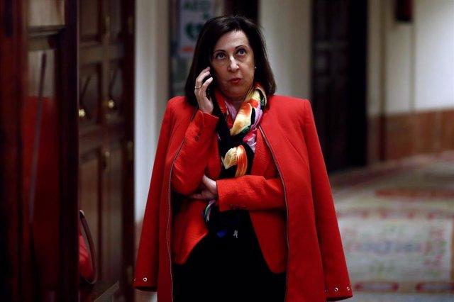 La ministra de Defensa, Margarita Robles, a su llegada al Congreso de los Diputados en Madrid