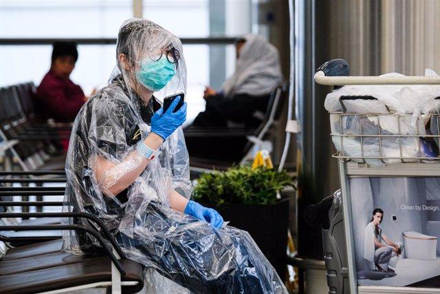 Coronavirus.- China confirma un caso de transmisión local de coronavirus y 44 im