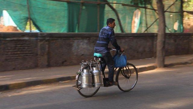 Coronavirus.- India se enfrenta al éxodo de trabajadores migrantes ante el avanc
