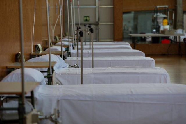 AV.- Coronavirus.- España alcanza un máximo en muertes diarias, con 838 fallecid