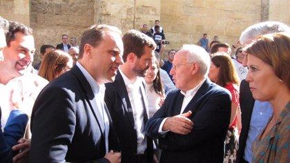 Casado prepara un plan de reactivación económica para España con su equipo de Gobierno en la sombra
