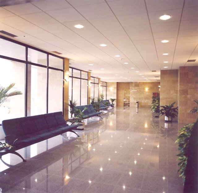 Interior de un tanatorio de la empresa Servicios Funerarios San José