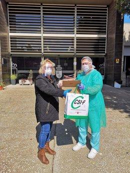 CSIF entrega pantallas faciales de protección frente al coronavirus para sanitarios y profesionales de riesgo