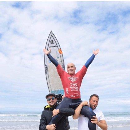 Efrén Mompeán, del Club Bahía de Mazarrón, campeon del mundo en Surf Adaptado en EEUU