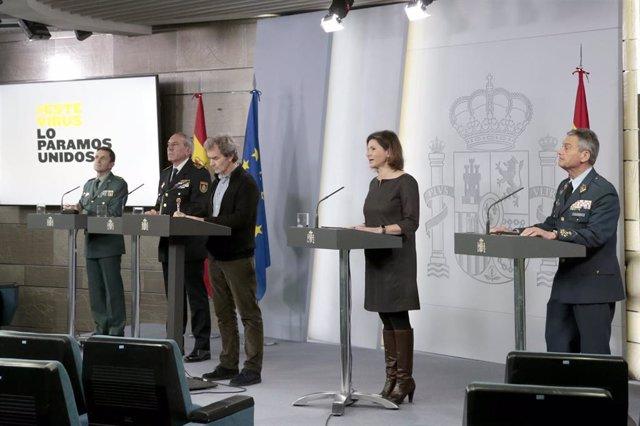 Rueda de prensa convocada para informar de las últimas novedades sobre la situación del Covid-19 en España,