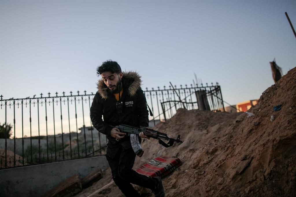 Libia libera a 466 prisioneros en riesgo de coronavirus