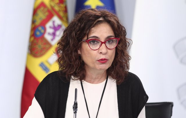 a ministra de Hacienda, María Jesús Montero, interviene en la rueda de prensa posterior al Consejo de Ministros convocada ante los medios para informar sobre el coronavirus, en La Moncloa, Madrid (España), a 10 de marzo de 2020
