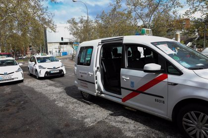 Ayuso plantea a Sánchez que suspenda la cuota de autónomos para los profesionales del transporte