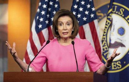 """Pelosi califica como """"letal"""" la lentitud de respuesta de la Casa Blanca a la epidemia"""