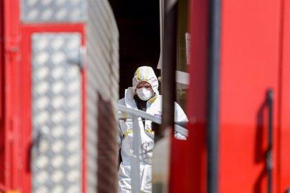 Trabajadores de una de las mayores residencias de Madrid aseguran que los fallecidos casi triplican los datos oficiales